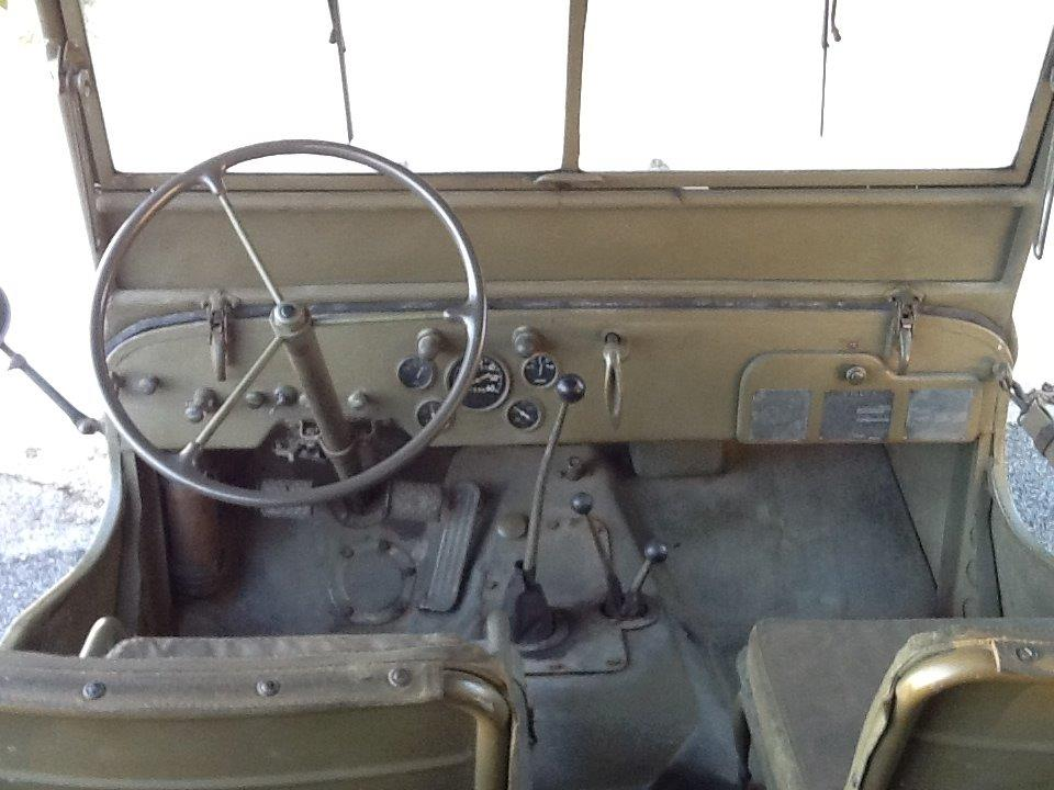 interno Jeep Willys MB