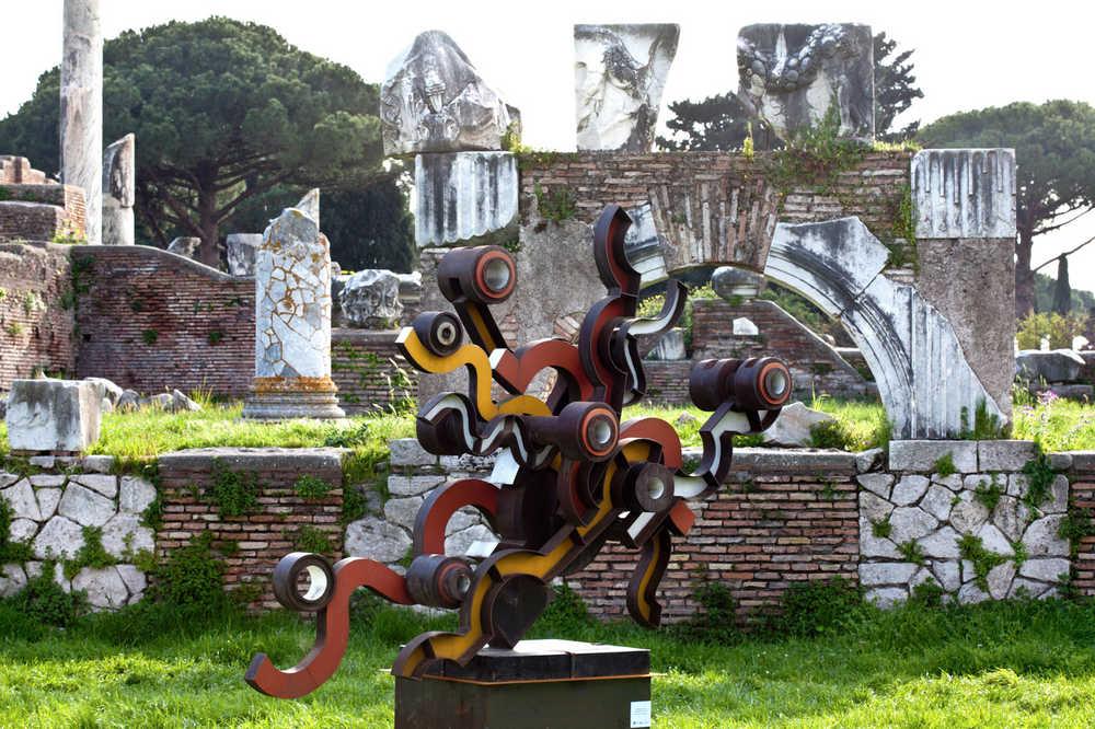 Umberto Mastroianni a Ostia Antica