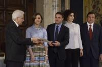 Nella foto, da sinistra verso destra il Presidente Mattarella, la premiata, Bruno Nardelli, Luisa Todini e Carlo Calenda