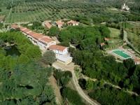 Agriturismo-Borgo-Piazza